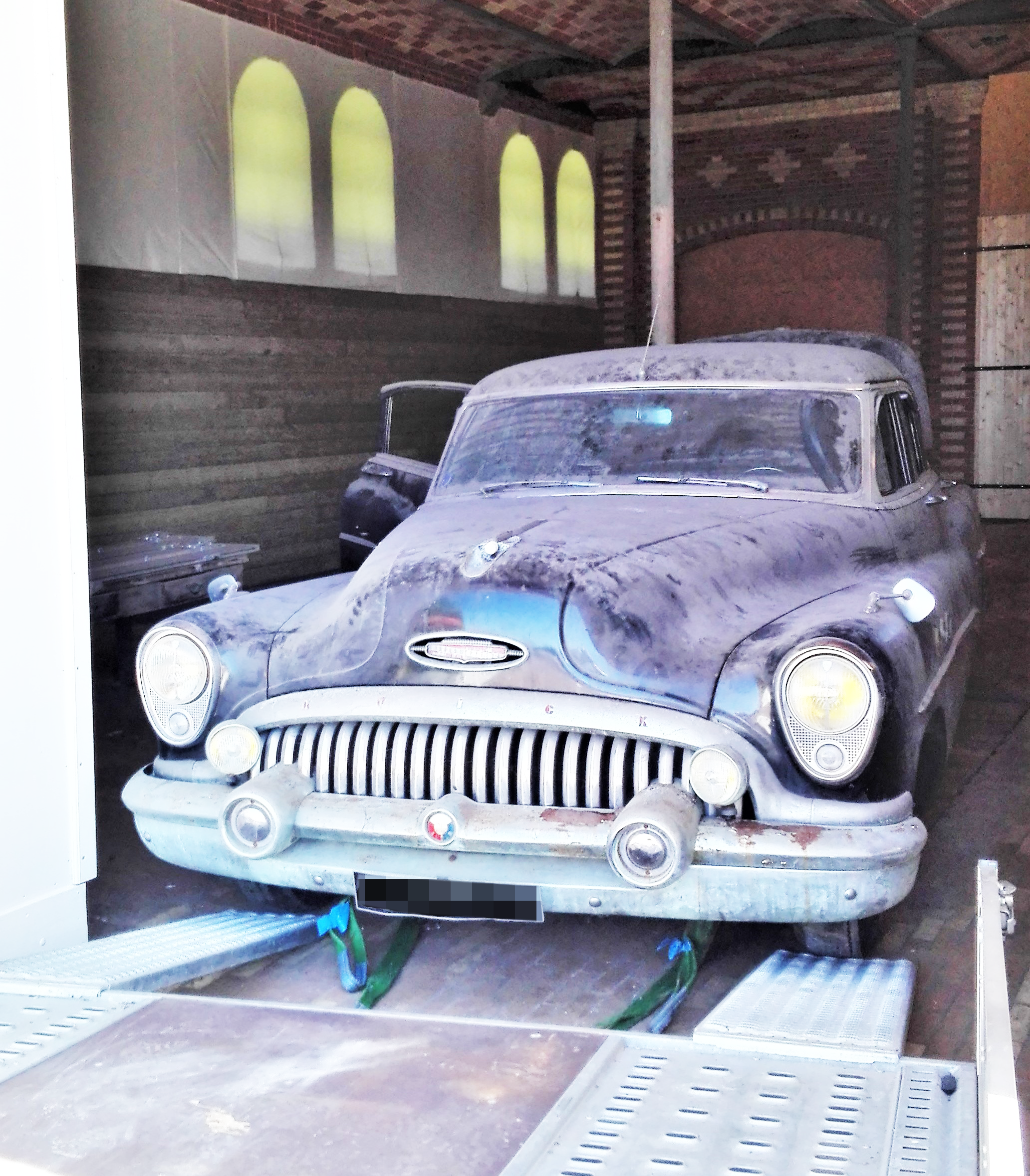 BUICK SUPER SEDAN ETIENNE TRANSPORT ET PLUS SPECIALISTE TRANSPORT DE VEHICULE UNITAIRE